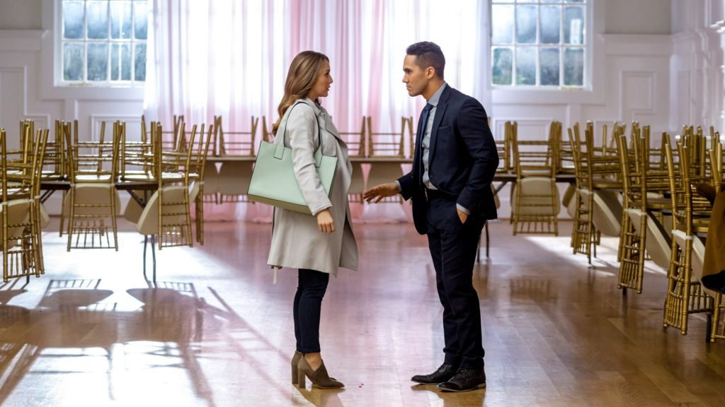 Powerkoppel Alexa & Carlos PenaVega - Picture Perfect Mysteries Newlywed and Dead